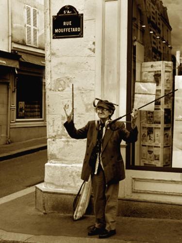 Le jongleur de cannes - Rue Mouffetard - Paris Vè.jpg