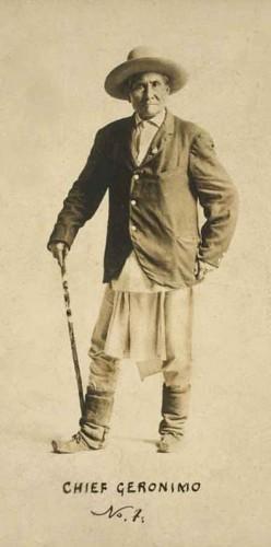 Geronimo-Go Khla Yeh (celui qui baille)-1829-1909.jpg