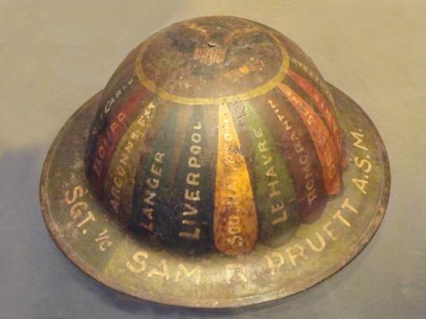 WW1,1WW,guerre,14 18,1914,bâton,canne,tranchée,trench,poilu,art populaire,casque,