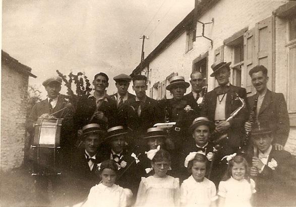 Capitaine & Dame de Place -St-Fiacre - Hyon 1946 b